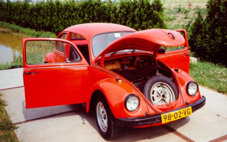 how to open vw beetle trunk from inside