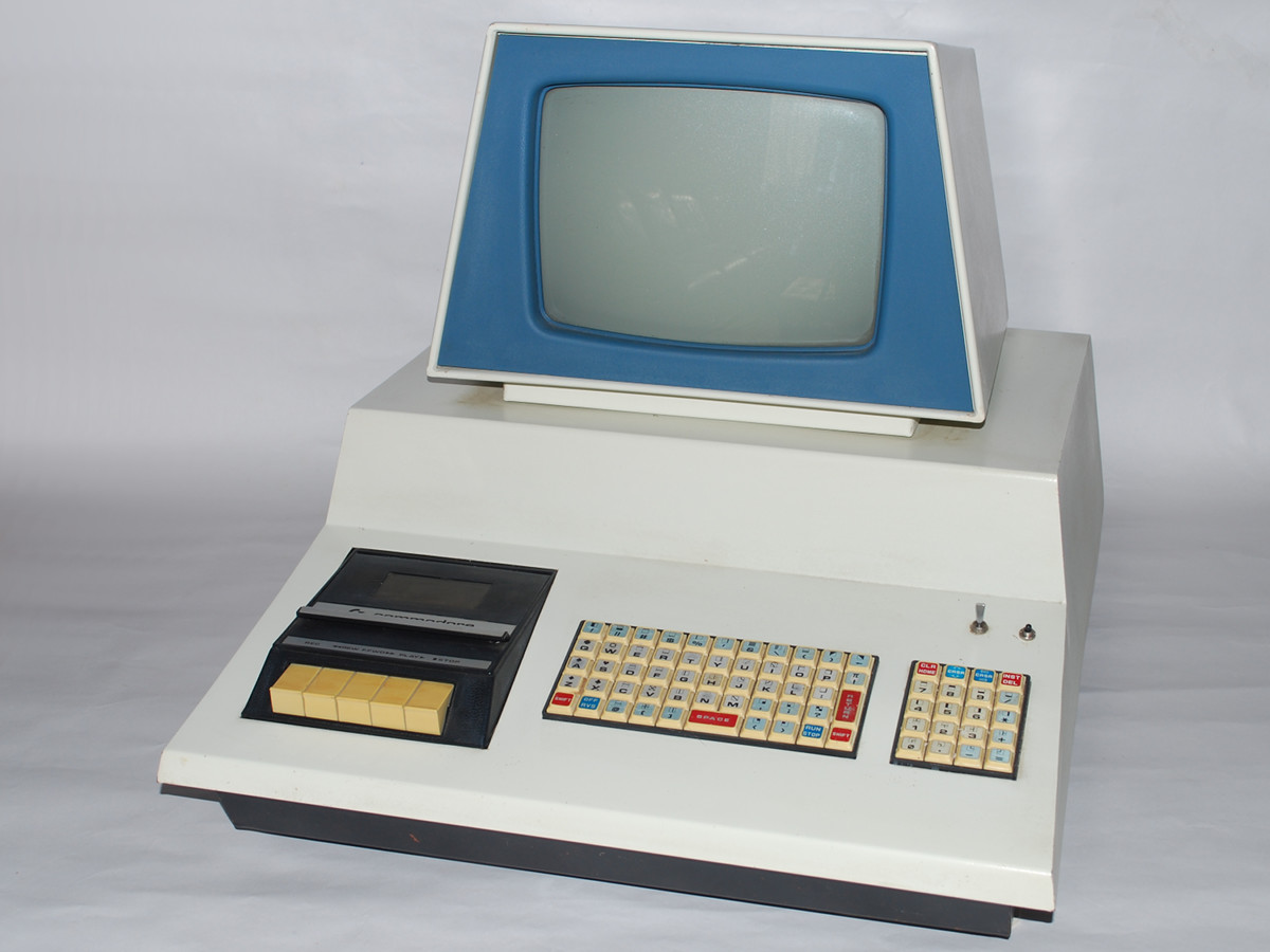 Commodore Info Page - Computer: Commodore PET - 2001 (Blue) [en]