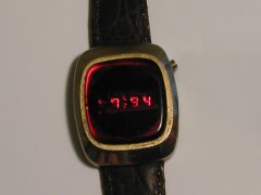 Commodore - Watch (2)